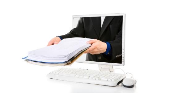 ¿Los correos electrónicos con la correspondencia de la empresa también deberían imprimirse?