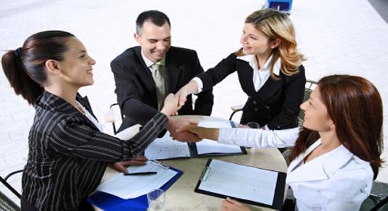 Administradores, Asociados y Trabajadores que no pueden representar a otros en Asambleas o Juntas